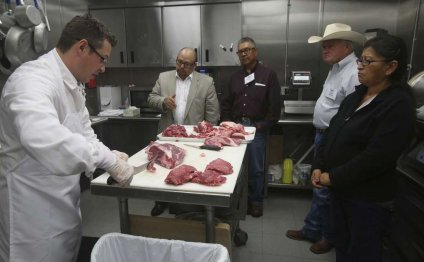 Cutting beef shoulder to
