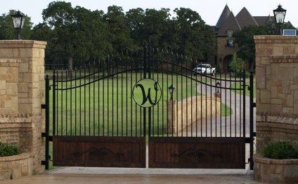 Custom Ranch gates Texas